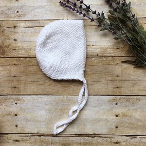 Other - MODERN KNIT Bonnet in White